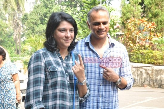 Maharashtra assembely elections_celebs who voted-5