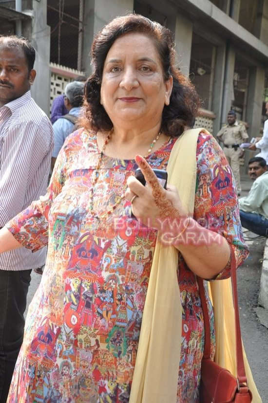 Maharashtra assembely elections_celebs who voted-6