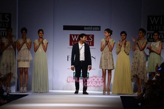 Manish Gupta Florence_WIFW 2015 collection-20