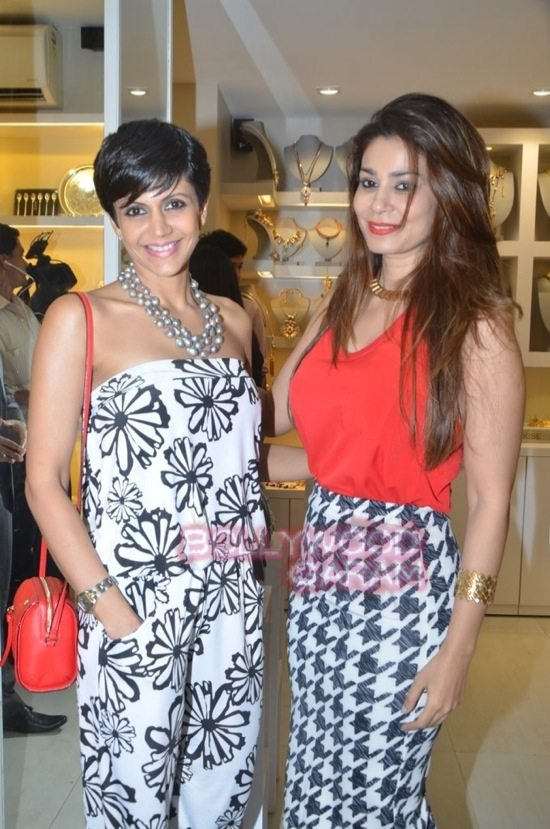 Minerali store launch_tanisha mukherji_raveena tandon-27