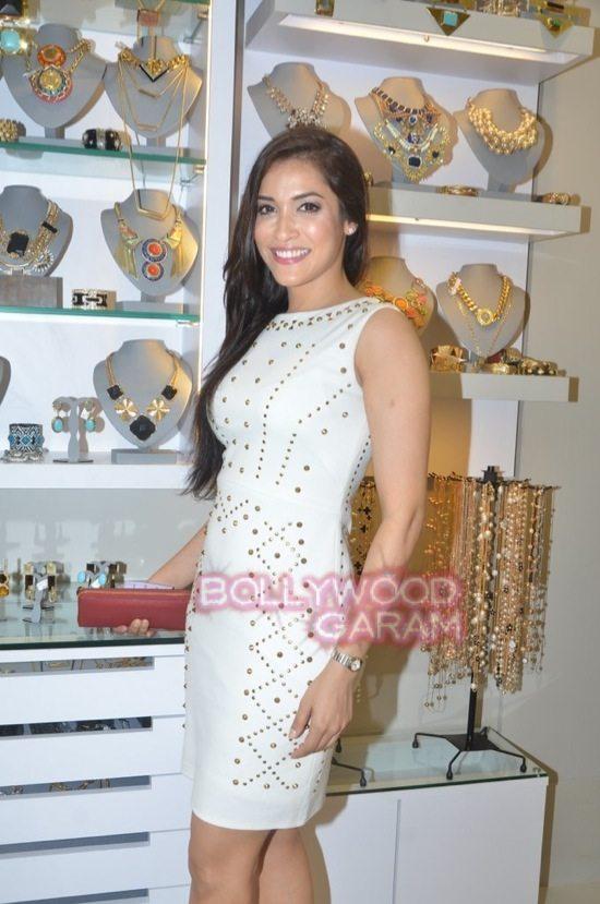 Minerali store launch_tanisha mukherji_raveena tandon-30
