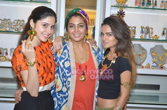 Minerali store launch_tanisha mukherji_raveena tandon-32