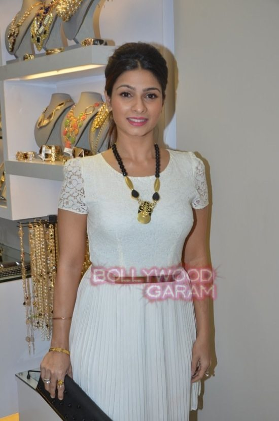 Minerali store launch_tanisha mukherji_raveena tandon-33