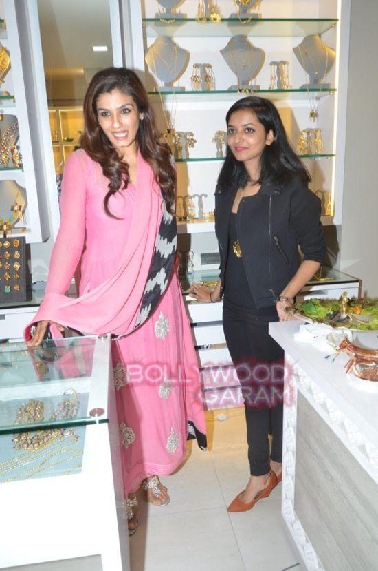 Minerali store launch_tanisha mukherji_raveena tandon-37