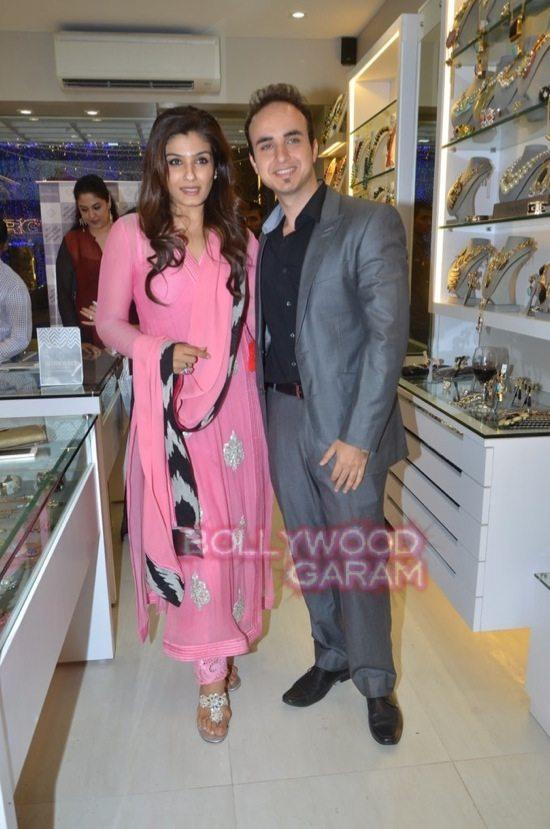 Minerali store launch_tanisha mukherji_raveena tandon-38