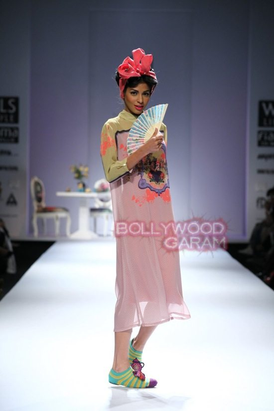 Nida M_Good Luck Irani Cafe collection_WIFW 2015-10