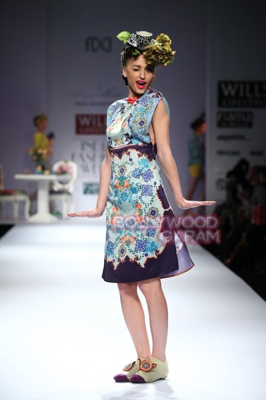 Nida M_Good Luck Irani Cafe collection_WIFW 2015-12