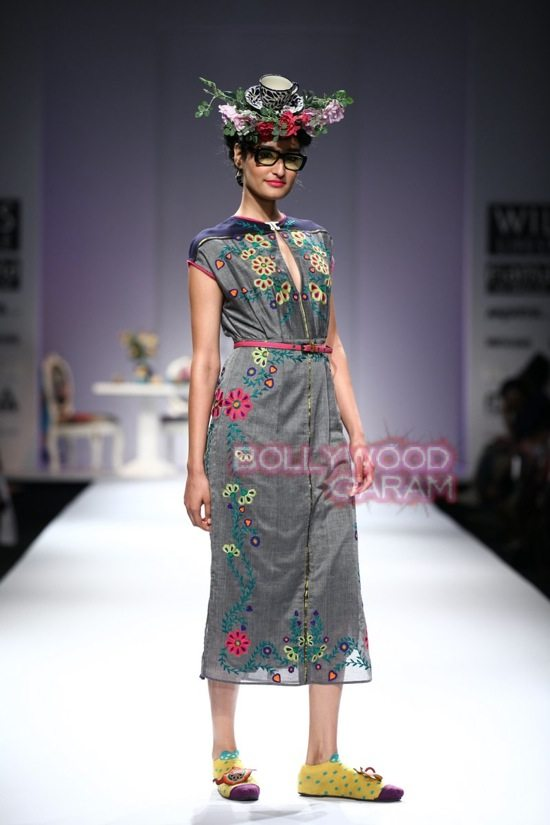 Nida M_Good Luck Irani Cafe collection_WIFW 2015-3