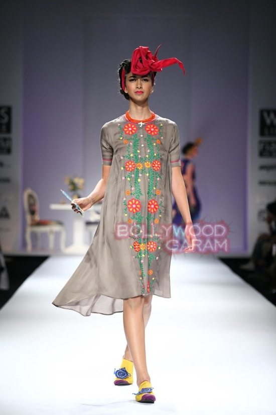 Nida M_Good Luck Irani Cafe collection_WIFW 2015-5