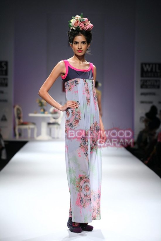 Nida M_Good Luck Irani Cafe collection_WIFW 2015-9