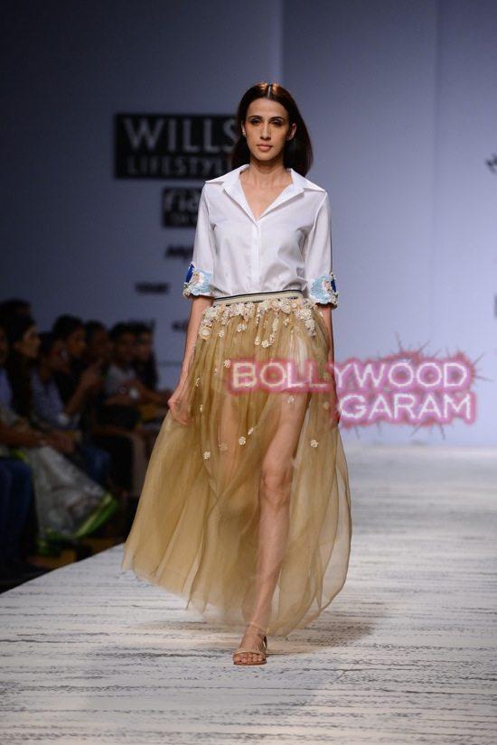 Pallavi Mohan Not So Serious-7