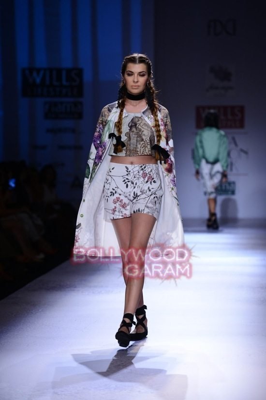 Paras and Shalini Geisha Designs WIFW 2015-1