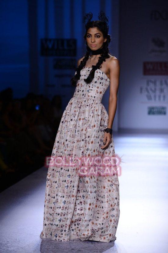 Paras Shalini Geisha Designs WIFW 2015-10