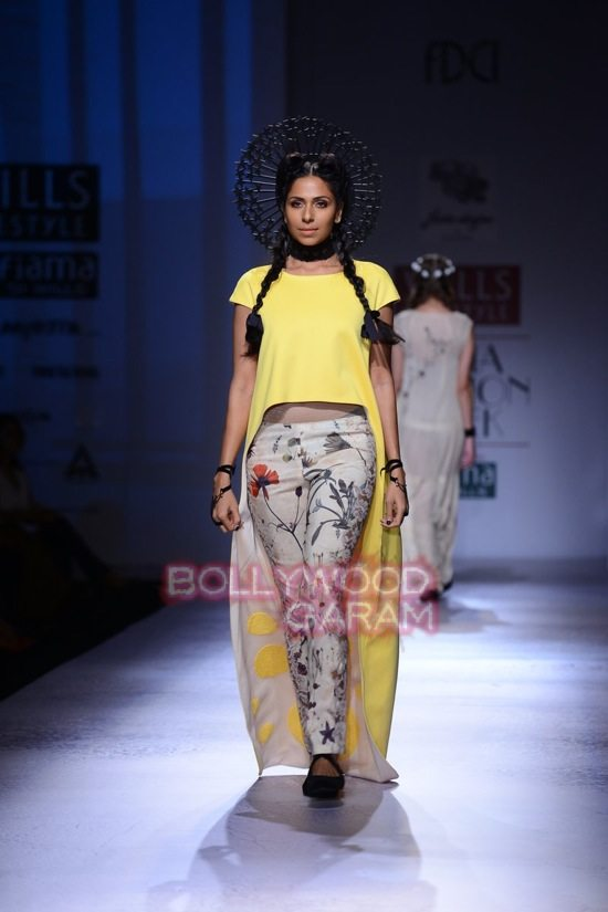 Paras and Shalini Geisha Designs WIFW 2015-11