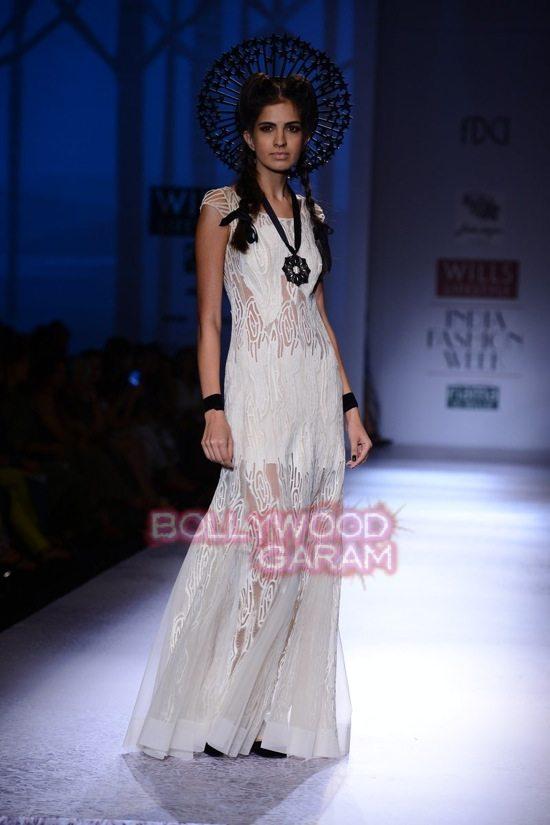Paras Shalini Geisha Designs WIFW 2015-14