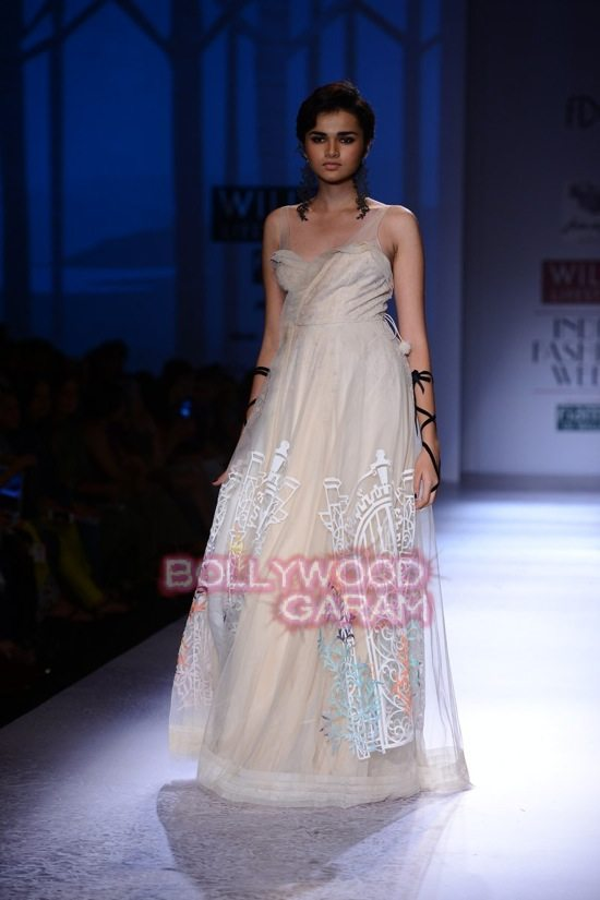 Paras Shalini Geisha Designs WIFW 2015-16