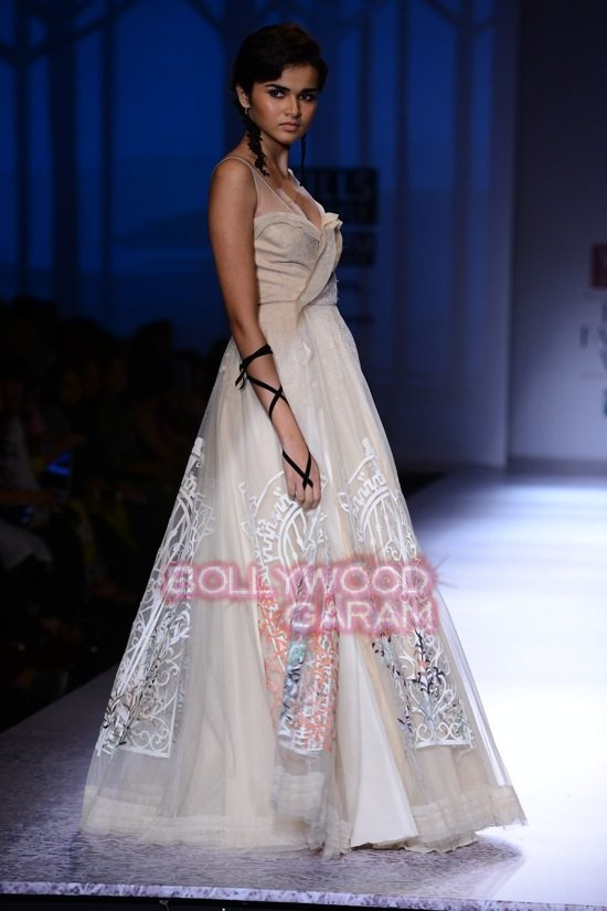 Paras Shalini Geisha Designs WIFW 2015-17