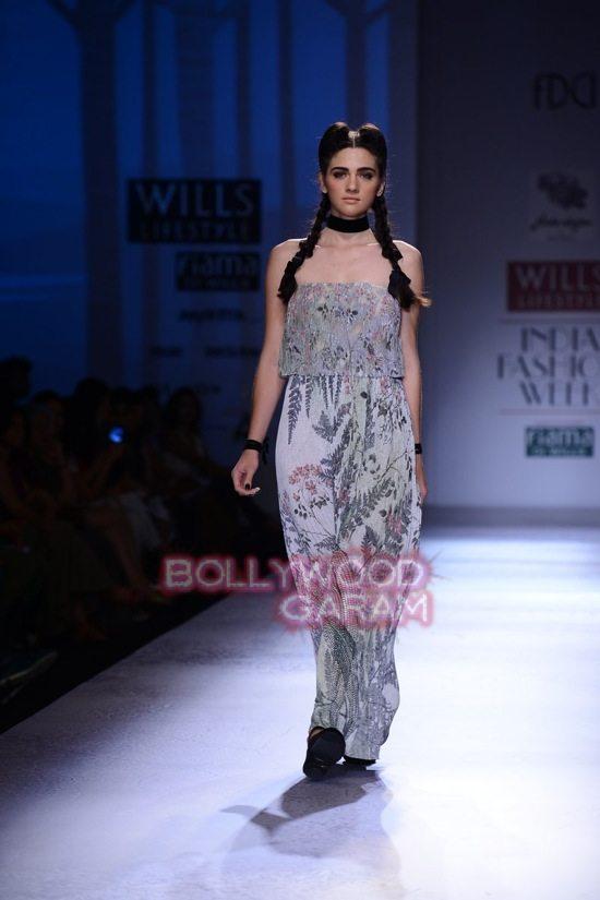 Paras Shalini Geisha Designs WIFW 2015-18