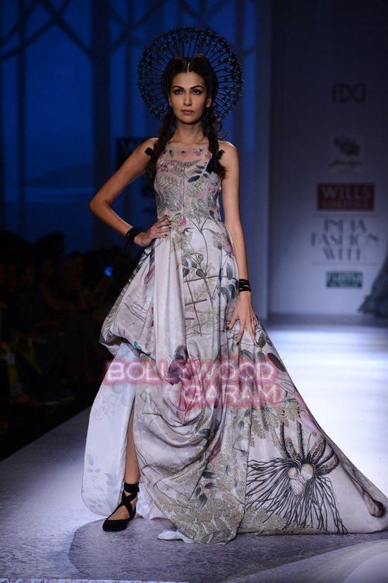 Paras Shalini Geisha Designs WIFW 2015-20