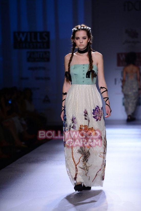 Paras Shalini Geisha Designs WIFW 2015-21