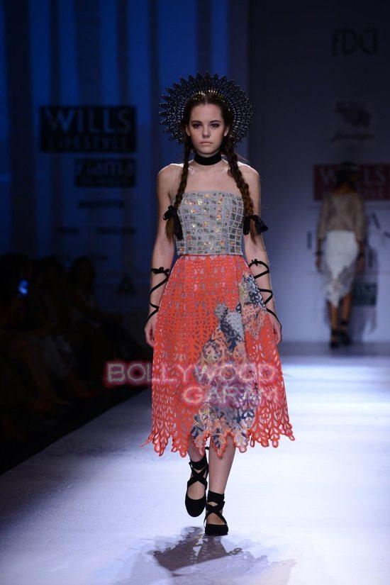 Paras Shalini Geisha Designs WIFW 2015-6