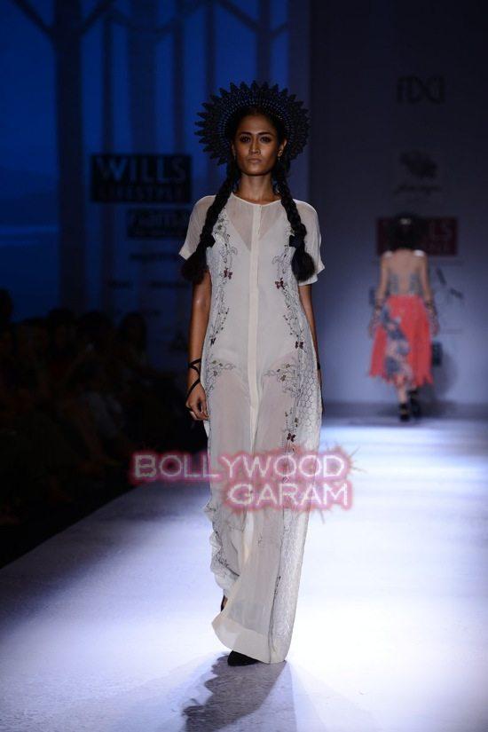 Paras Shalini Geisha Designs WIFW 2015-8