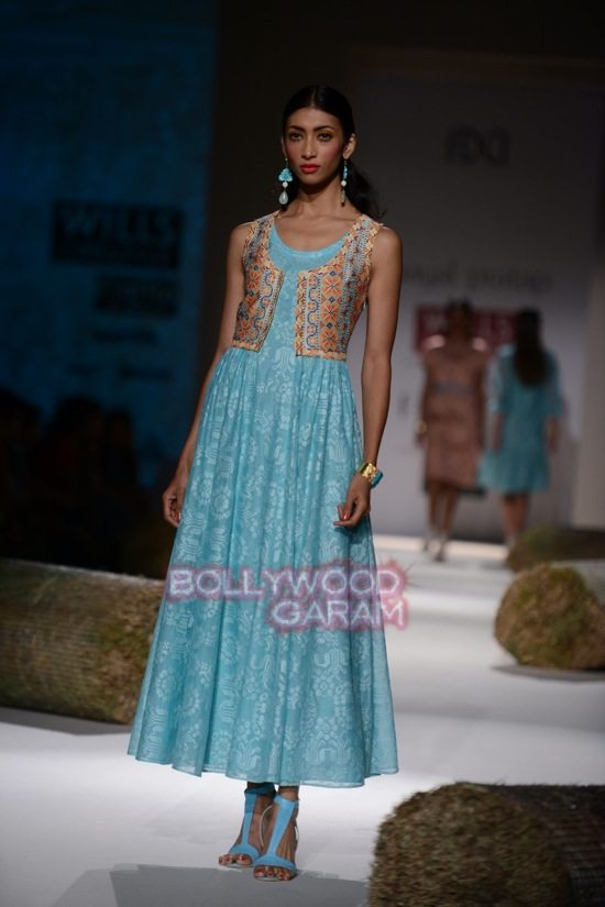 Payal P_WIFW 2015_collection-13