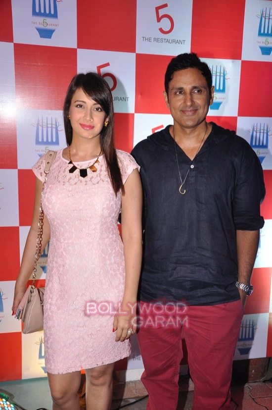Preeti Jhangiani and Pravin dabas_5 restaurant launch-1