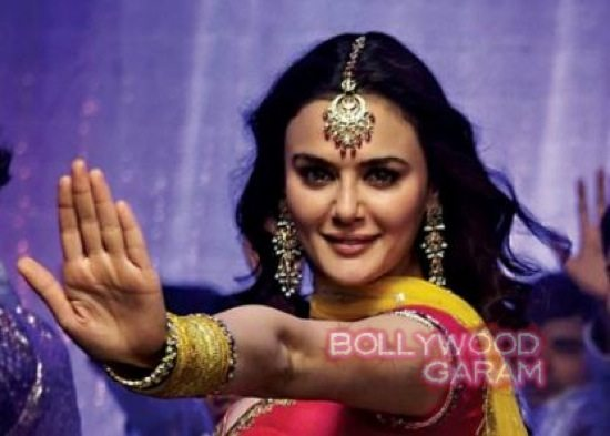Preity kicks man out of theatre