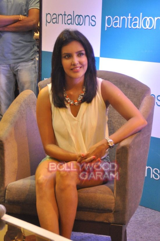 Priya A pantaloon store launch mumbai-2