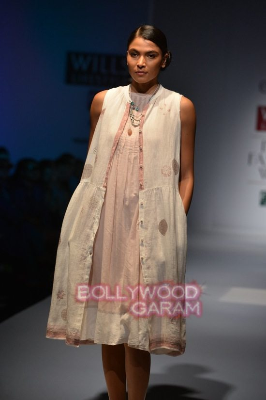 RIna S_Eka_WIFW 2015 collection-18