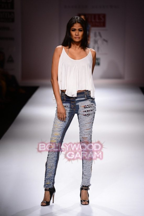 Raakesh Agarvwal_WIFW 2015 denim wear-0