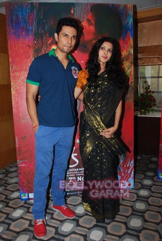 Rangrasiya_Nandana sen and Randeep Hooda-5