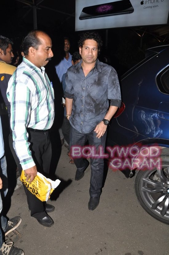 Sachin Tendulkar at airport-4