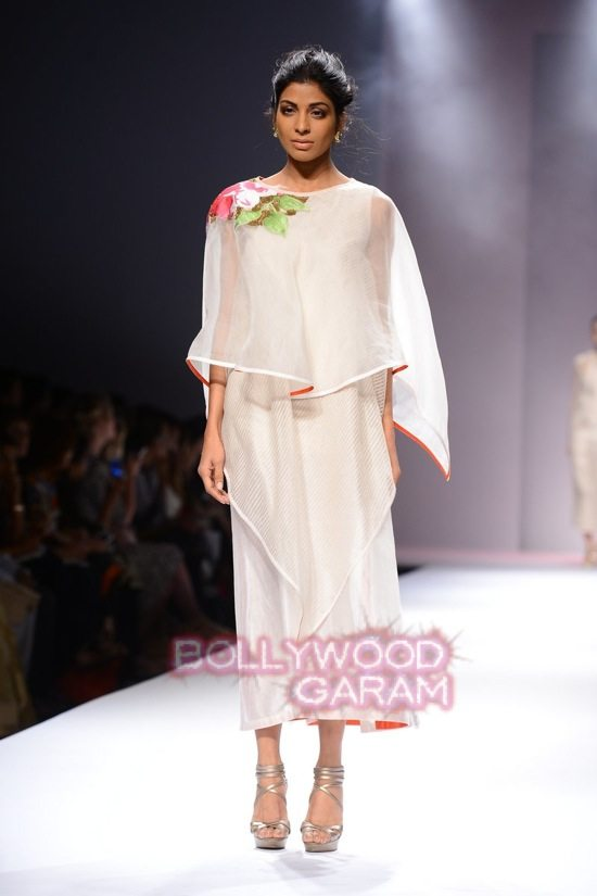 Samant C_Wifw 2015 Rajputana collection-1