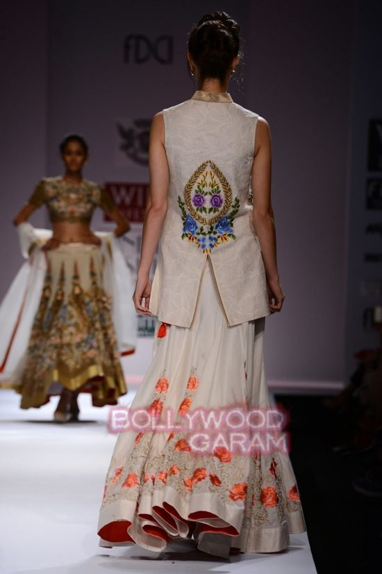 Samant C_Wifw 2015 Rajputana collection-12