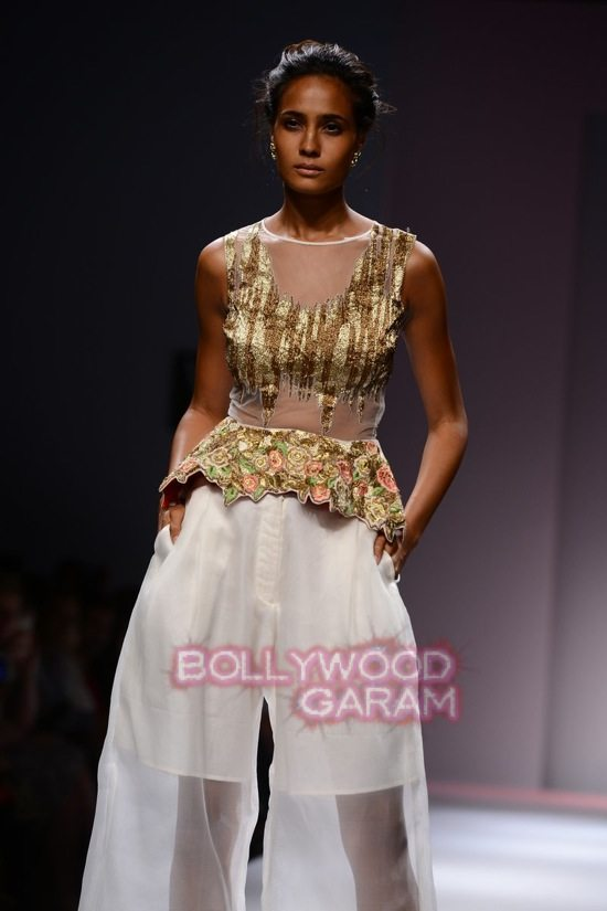 Samant C_Wifw 2015 Rajputana collection-16