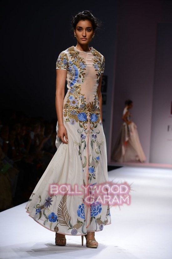 Samant C_Wifw 2015 Rajputana collection-17
