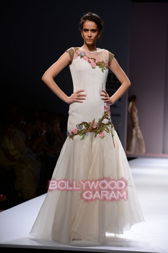 Samant C_Wifw 2015 Rajputana collection-23