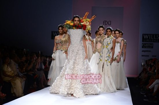 Samant C_Wifw 2015 Rajputana collection-27