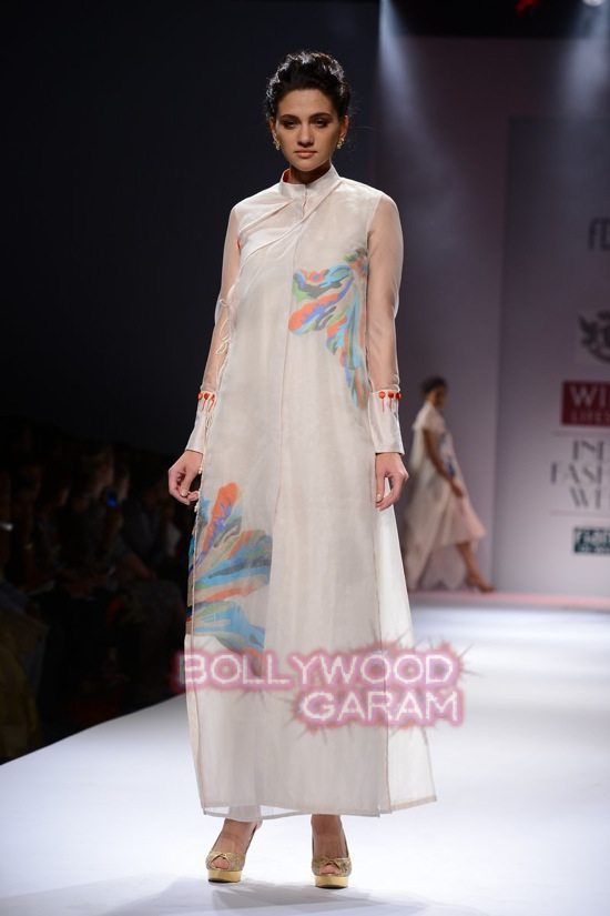 Samant C_Wifw 2015 Rajputana collection-3