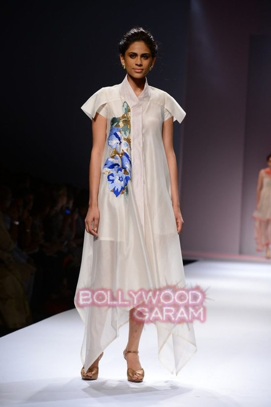 Samant C_Wifw 2015 Rajputana collection-4