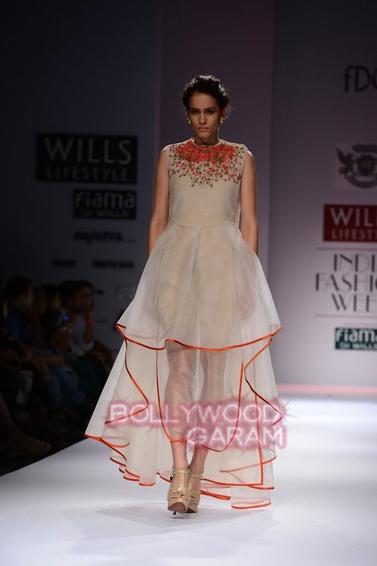 Samant Chauhan_Wifw 2015 Rajputana collection-5