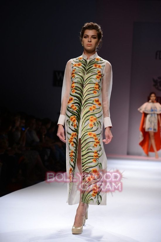 Samant C_Wifw 2015 Rajputana collection-7