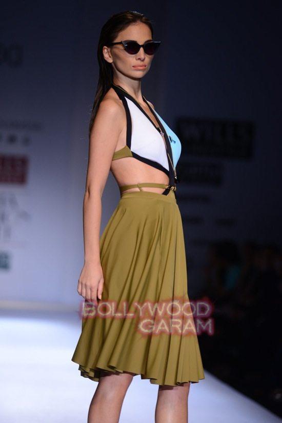 Shivan_Naresh beach wear WIFW 2015-12