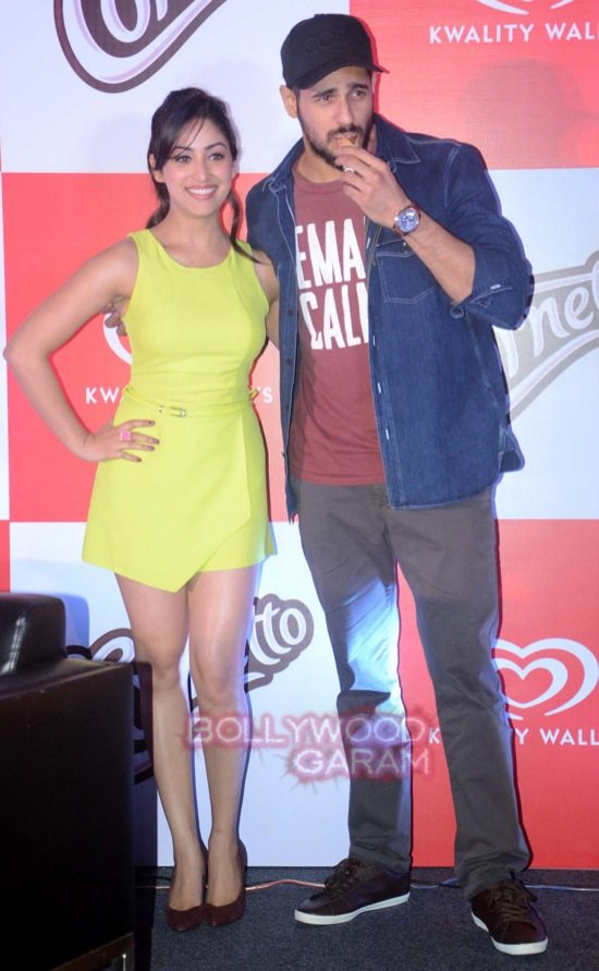 Sidharth and Yami at Cornetto event-1