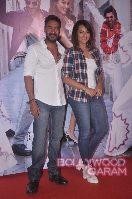 Sonakshi Sinha and Ajay Devgn launch song-11