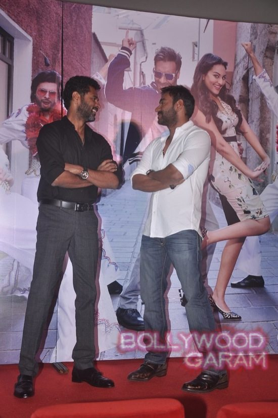 Sonakshi Sinha and Ajay Devgn launch song-4
