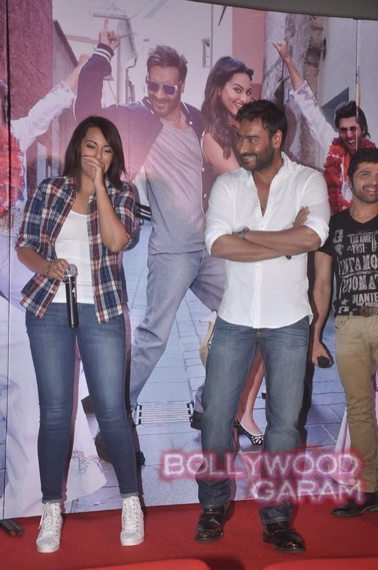 Sonakshi Sinha and Ajay Devgn launch song-5