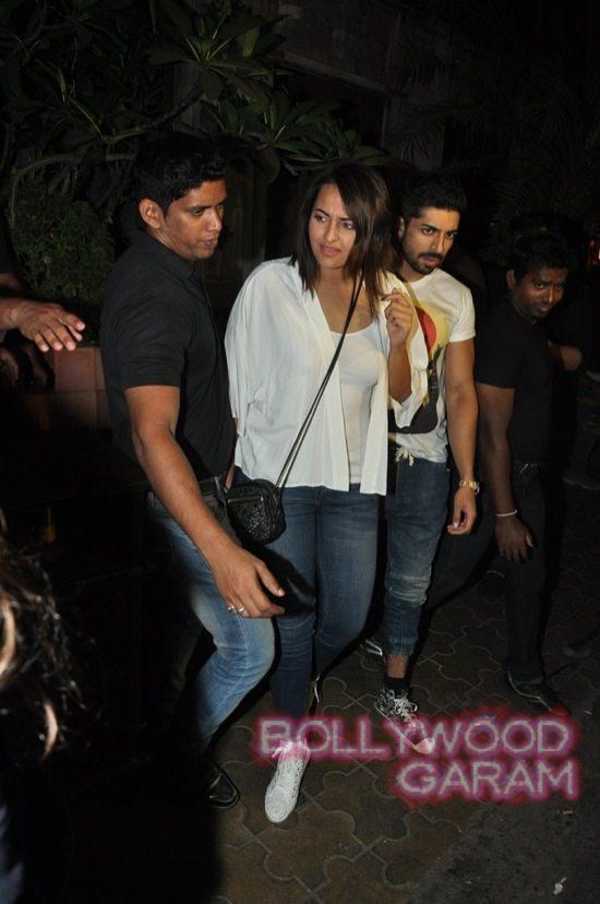 Sonakshi Sinha and Kalki candid-3